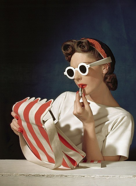 calivintage :      vogue, 1939. photo by horst p horst.