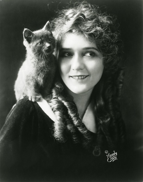 bohemea :     Mary Pickford