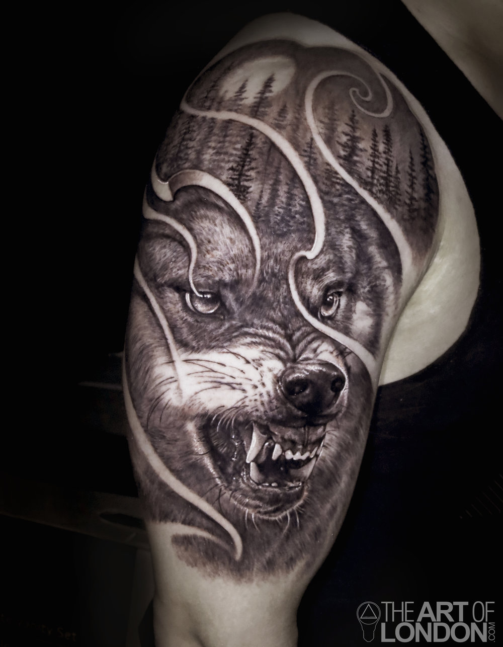 wolf black and grey tattoo.jpg