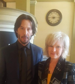OMG.. Keanu Reeves! - John Wick? The Matrix? No.. Keanu Reeves came to visit our office!Celebrities need healthy eyes too!