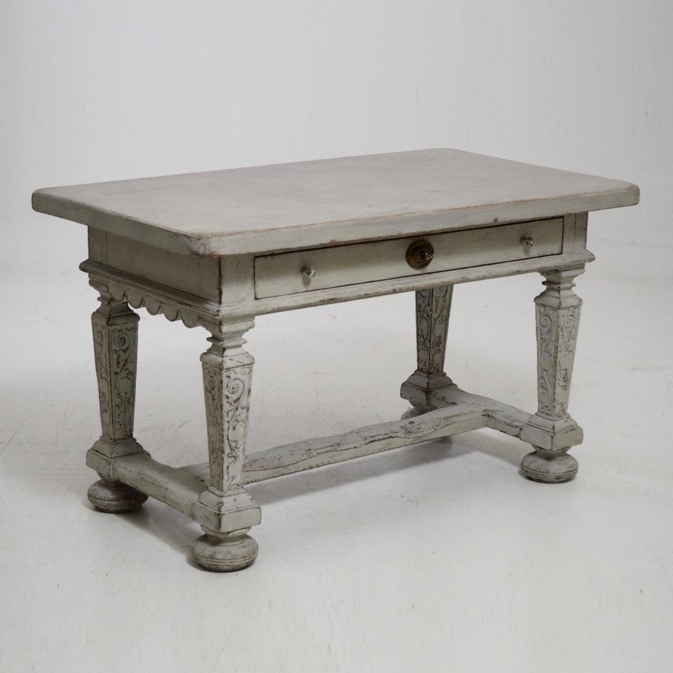 Scandinavian freestanding table, 19th C - € 900