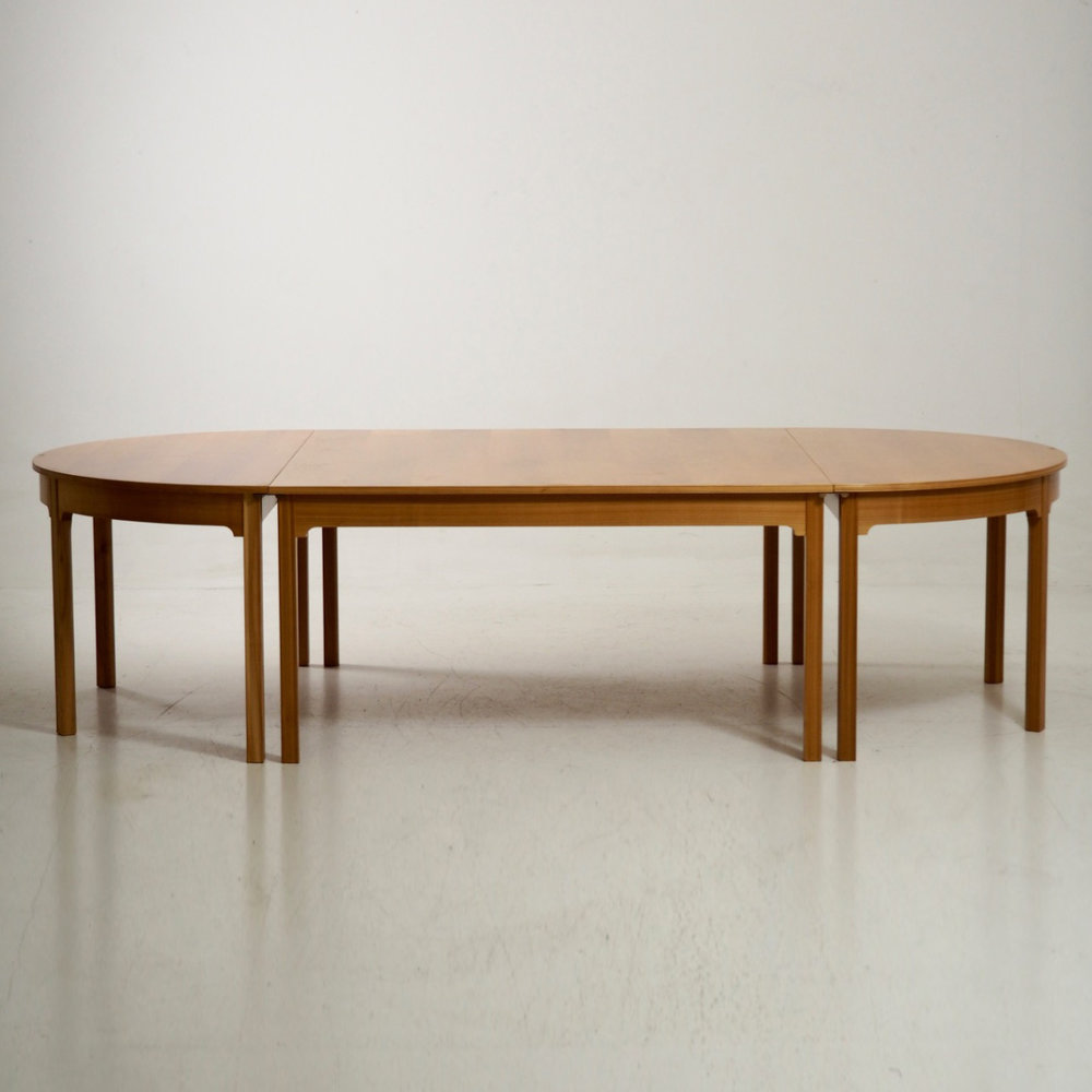 Very important table by Kaare Klint - € 3.500