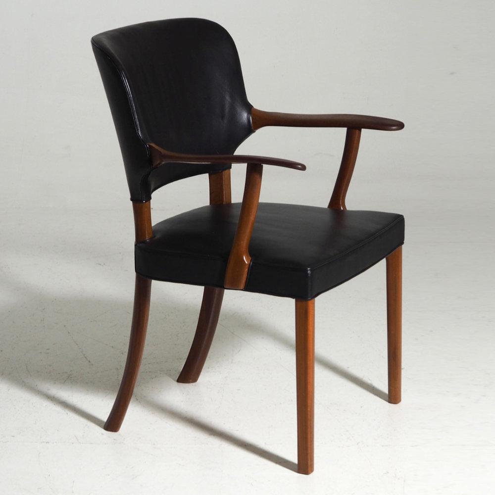 Rare armchair,Att.to Ole Wanscher. - € 1.500