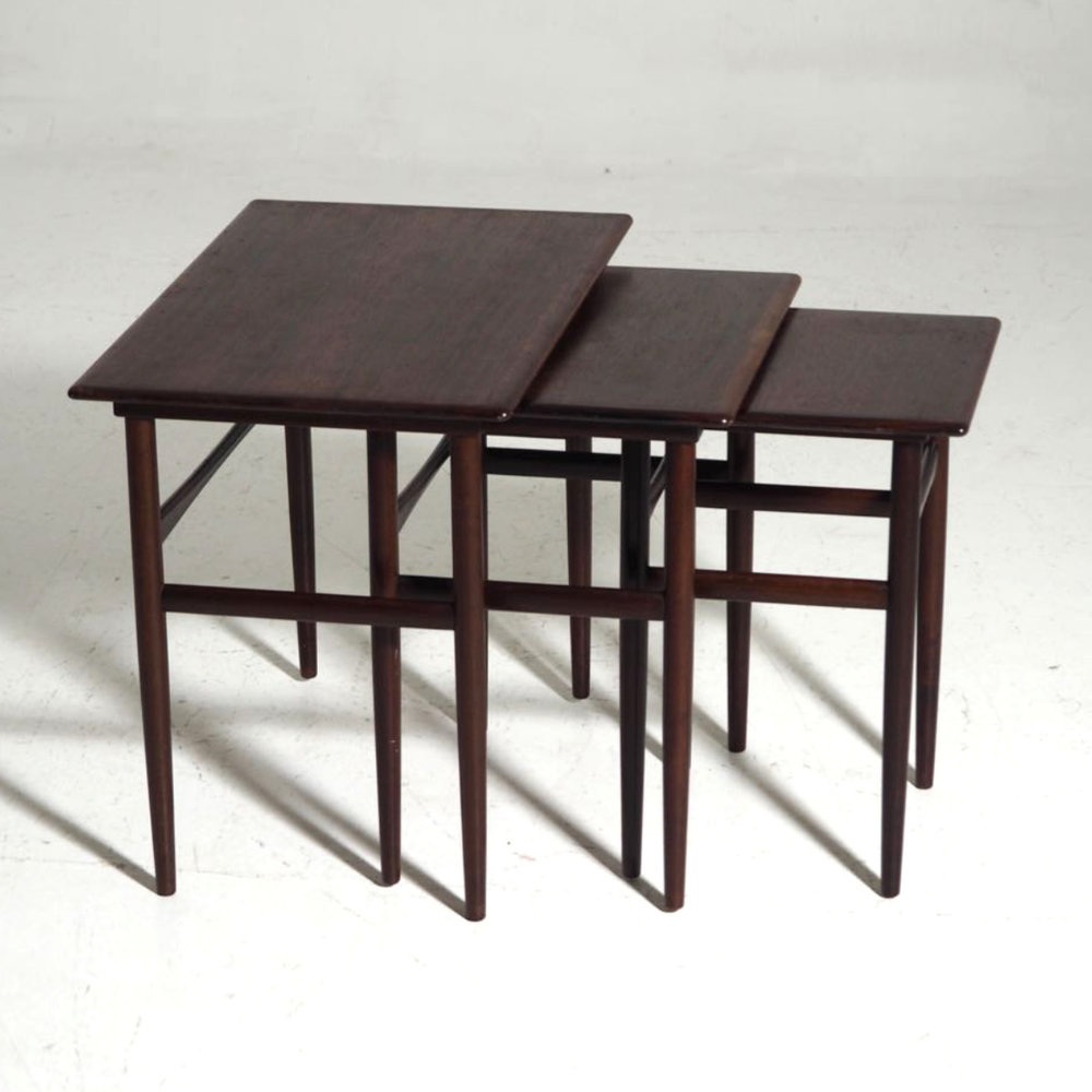 Nest of tables in rosewood, 1960 - € 600