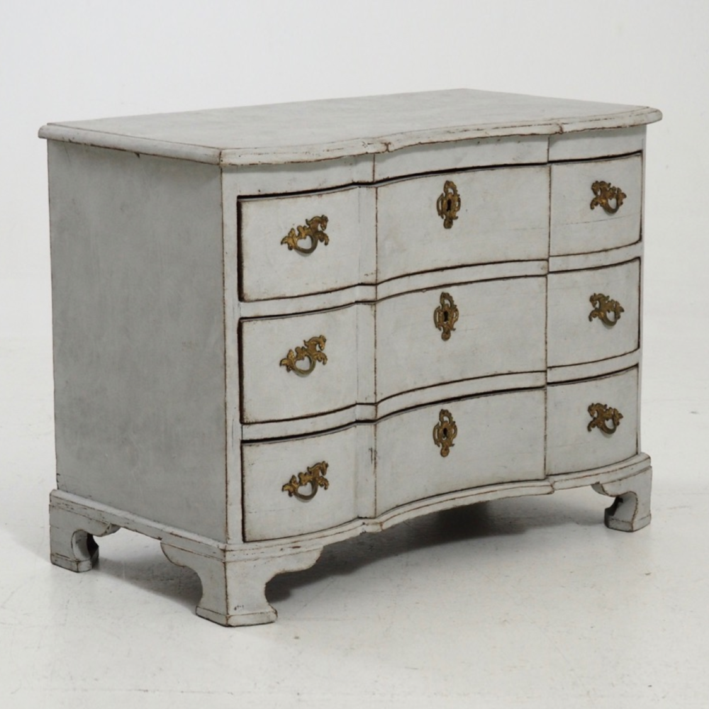 Swedish baroque chest, 1750. - € 2.000