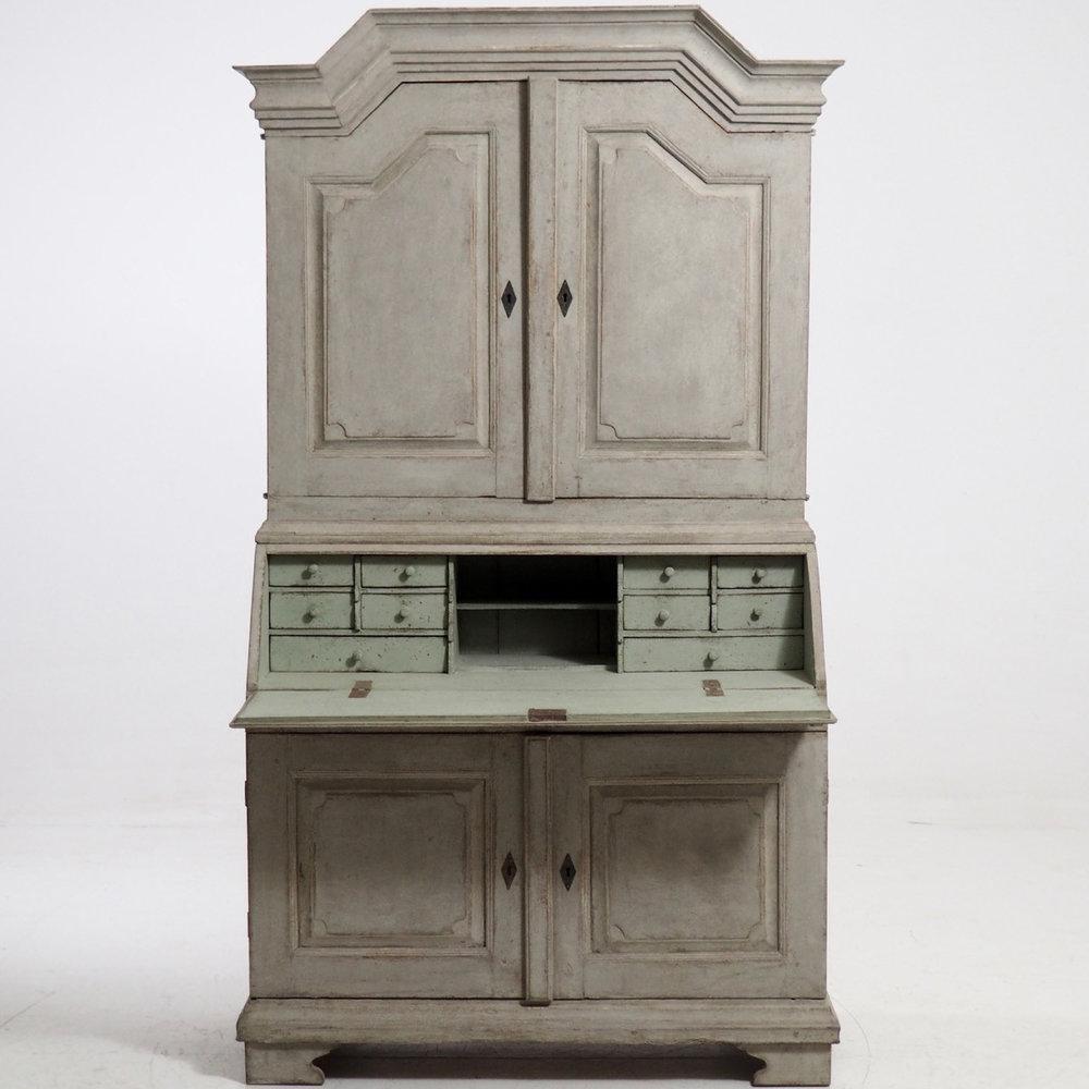 Cabinets0_srcset-large.jpg