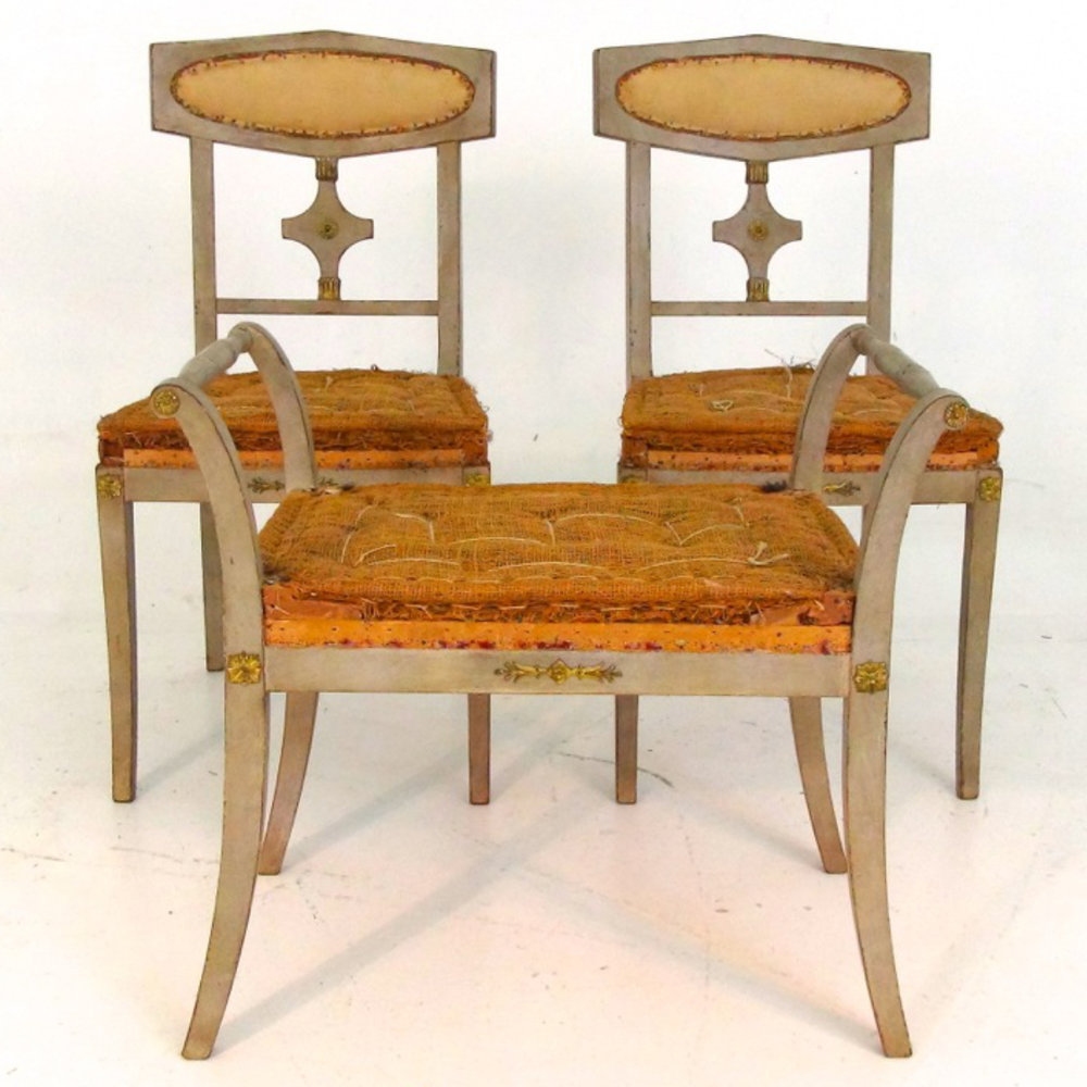 Pair of chairs, and one stool, Circa 1900. - € 1.000
