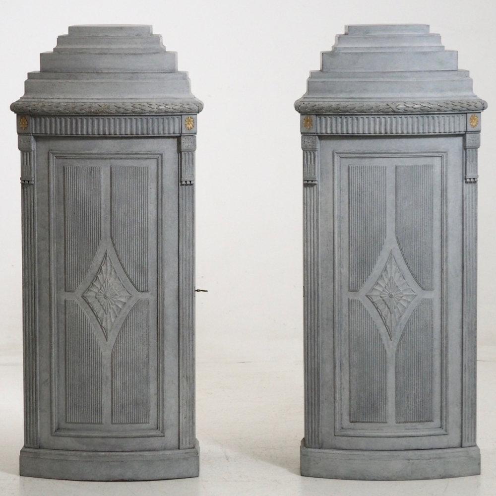 Rare Gustavian style cabinets. - € 3.300