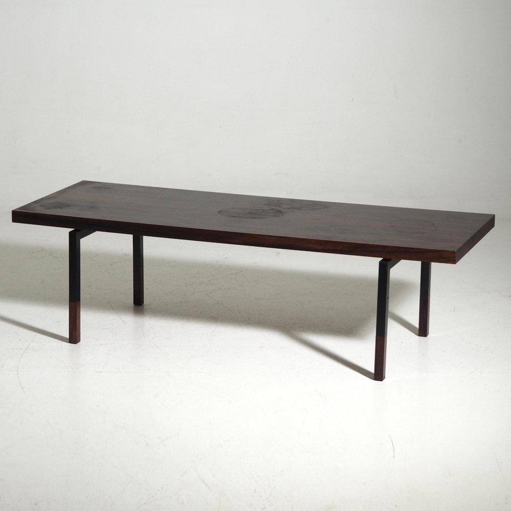 Rare coffee table, circa 1960. - € 1.100