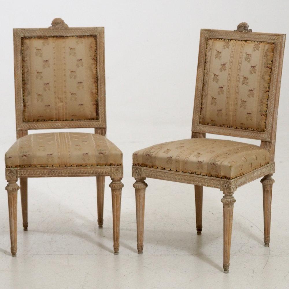 Pair of sidechairs, circa 1790. - € 3.000