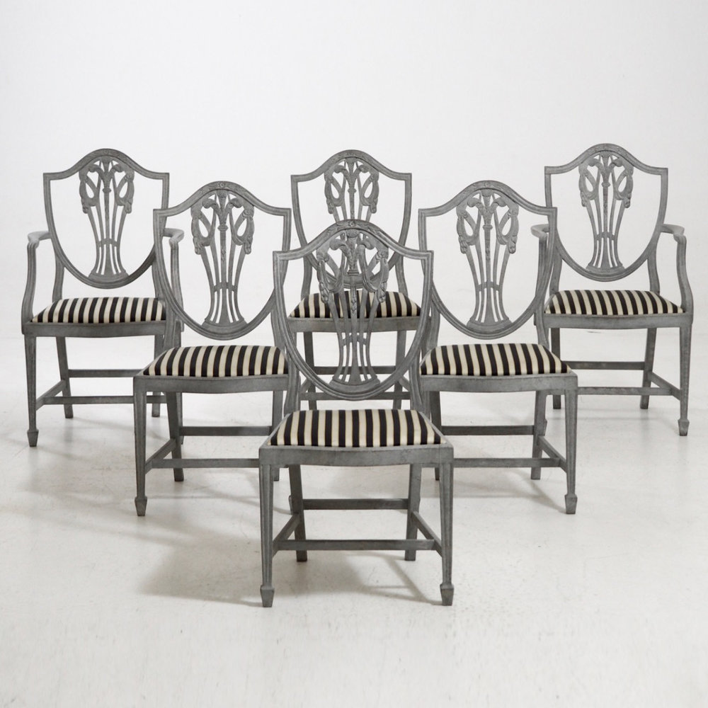 Two armchairs and four chairs, 19th C. - € 2.200