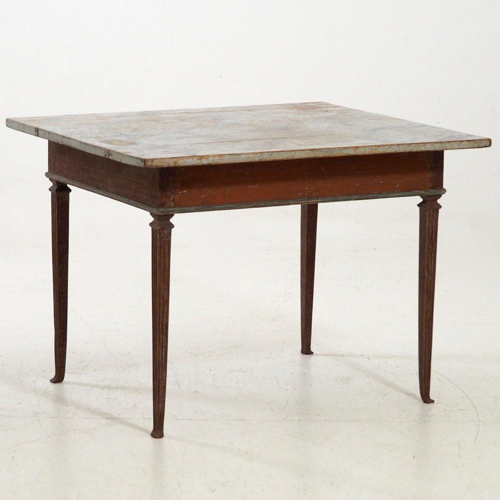 Freestanding table, circa 1780 - 1790. - € 3.000