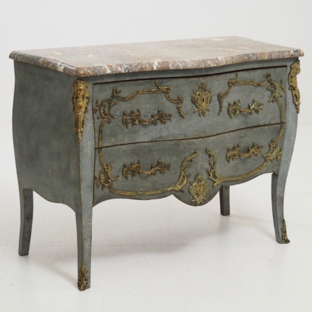 French or Italian chest. - € 1.800