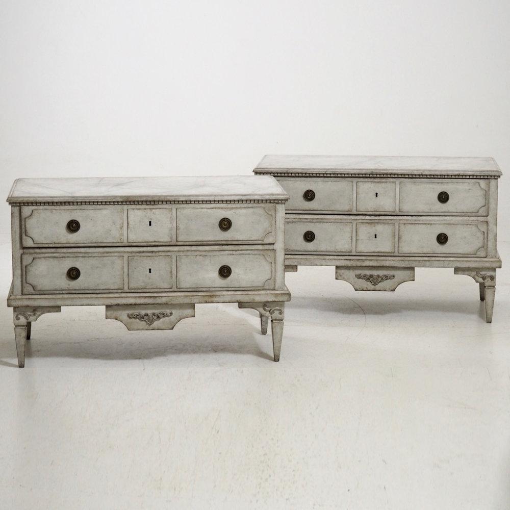 Gustavian chests, circa 1810. - € 3.300