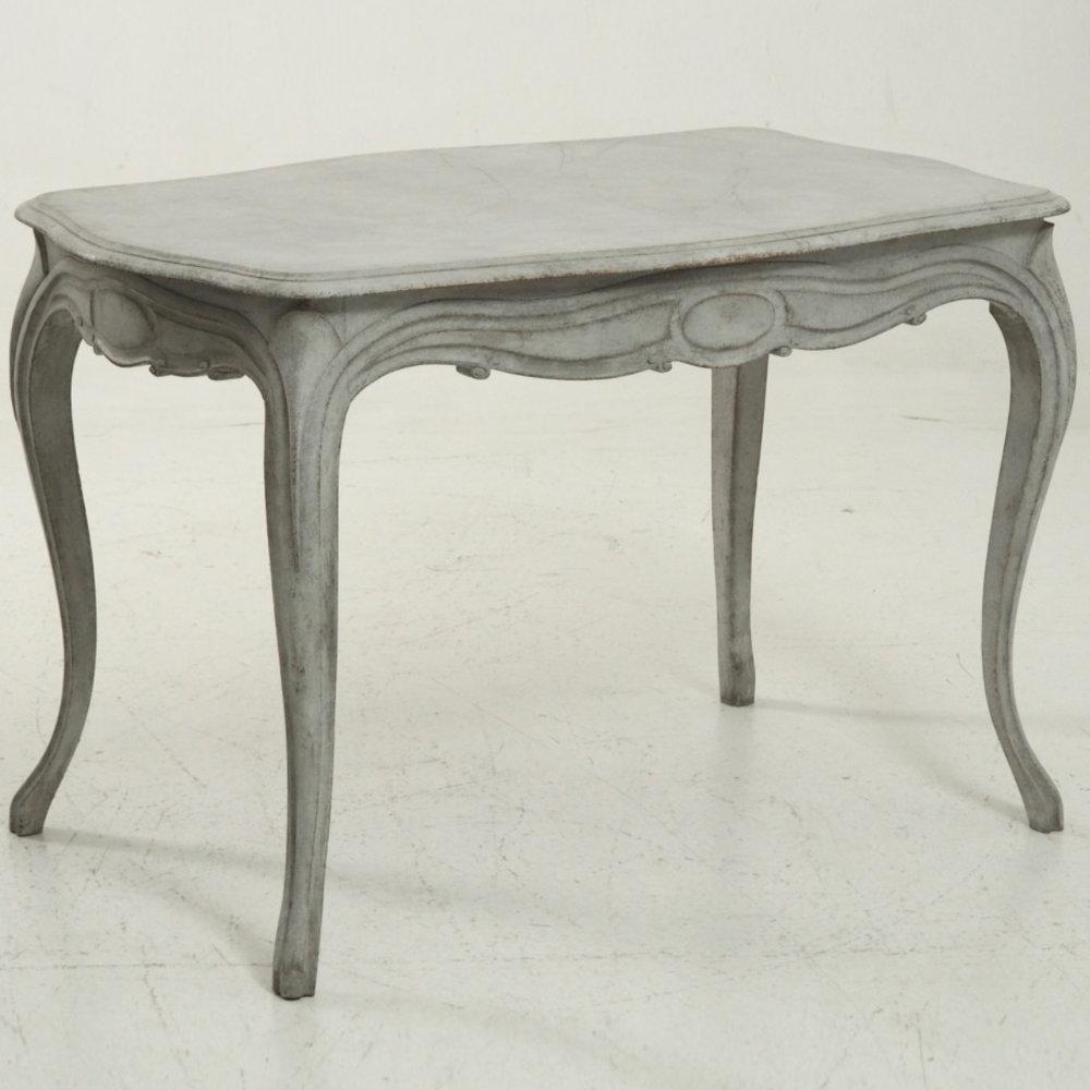 Rococo style table, circa 1850. - € 1.400