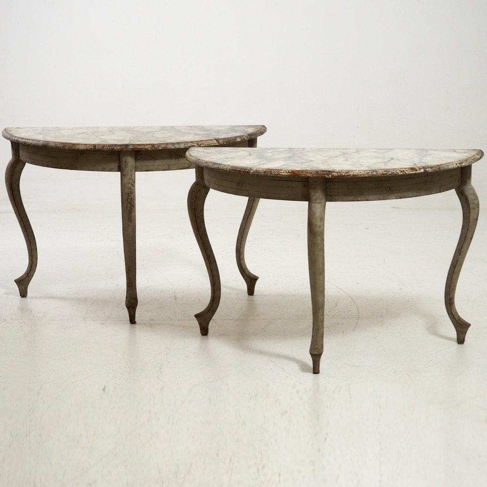 Swedish demi-lune tables, 19th C. - € 1.900