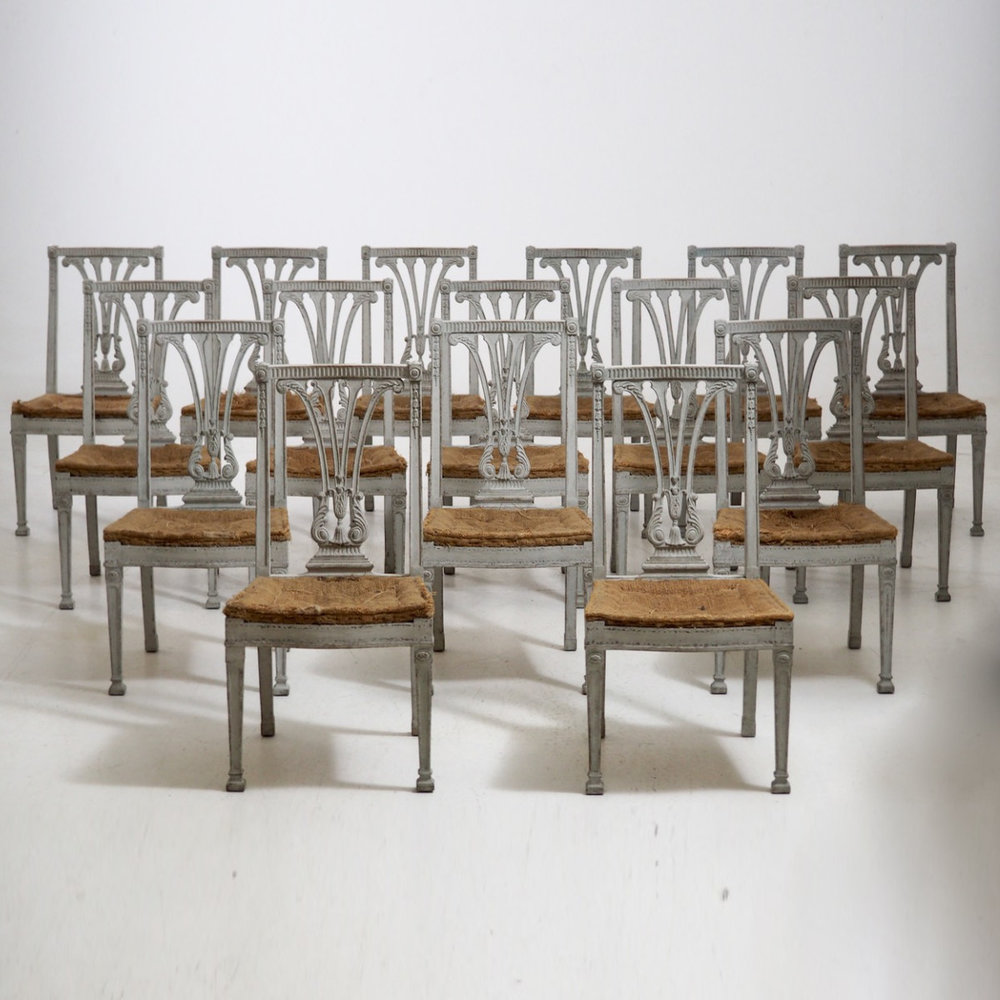 Set of 16 dining chairs, 19th C. - € 4.000