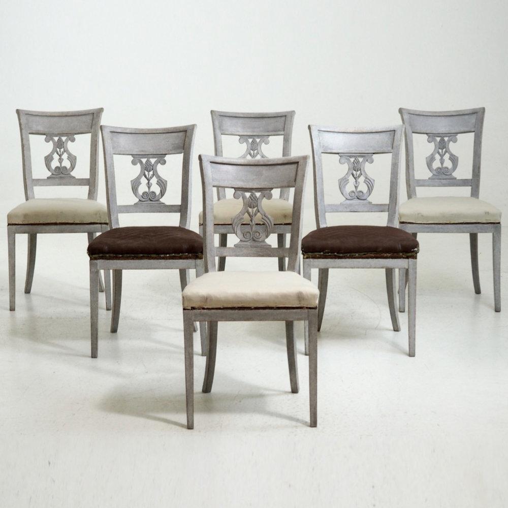 Rare dinning room chairs, circa 1820. - € 2.200