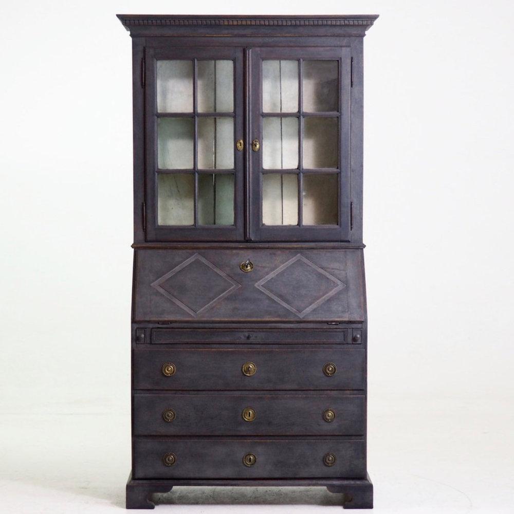 Two-parts vitrine bureau, 1790. - € 3.300