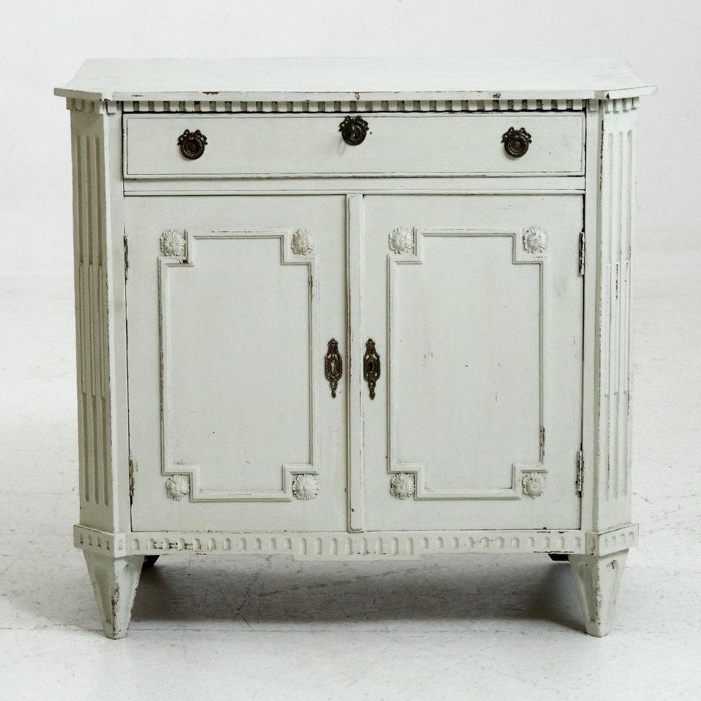 Gustavian console cabinet, 18th C. - € 1.300