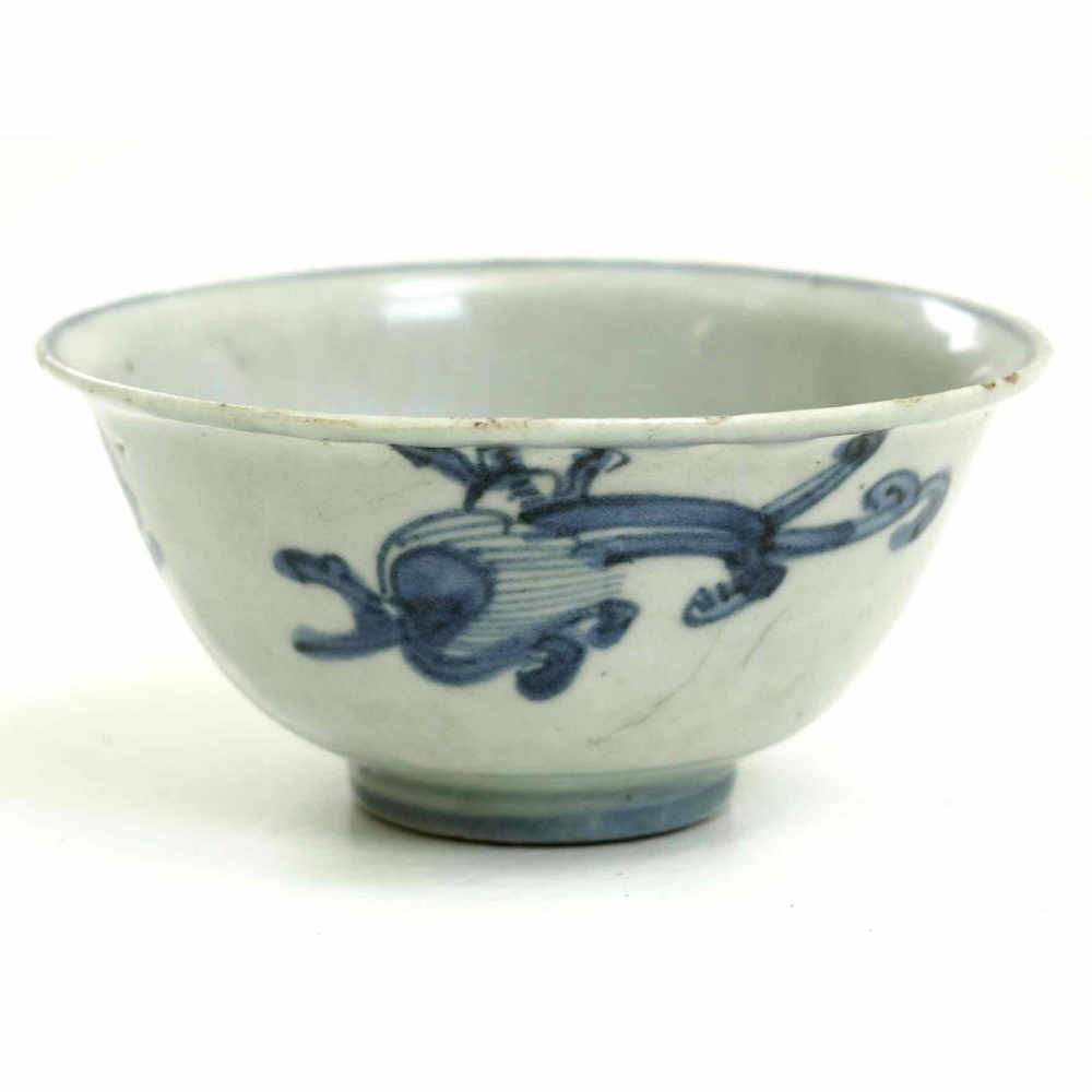 Chinese bowl, white and blue 18th C. - € 300