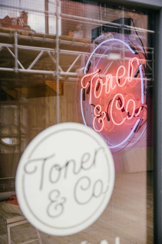 toner & co - Professional hair salon.