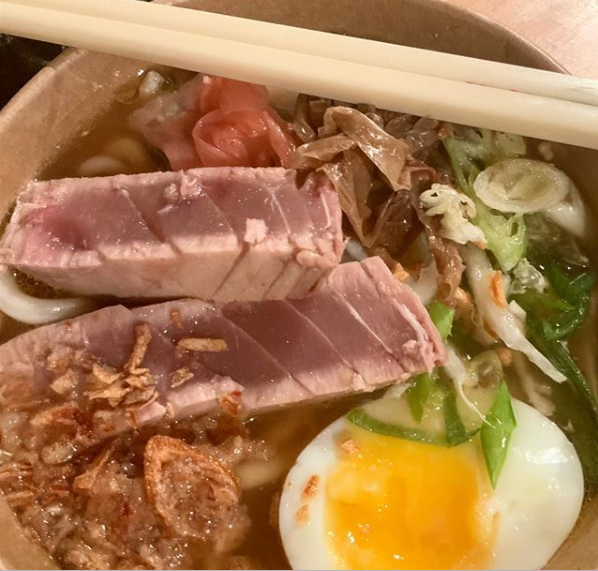chow street food - Ramen & Gayozas