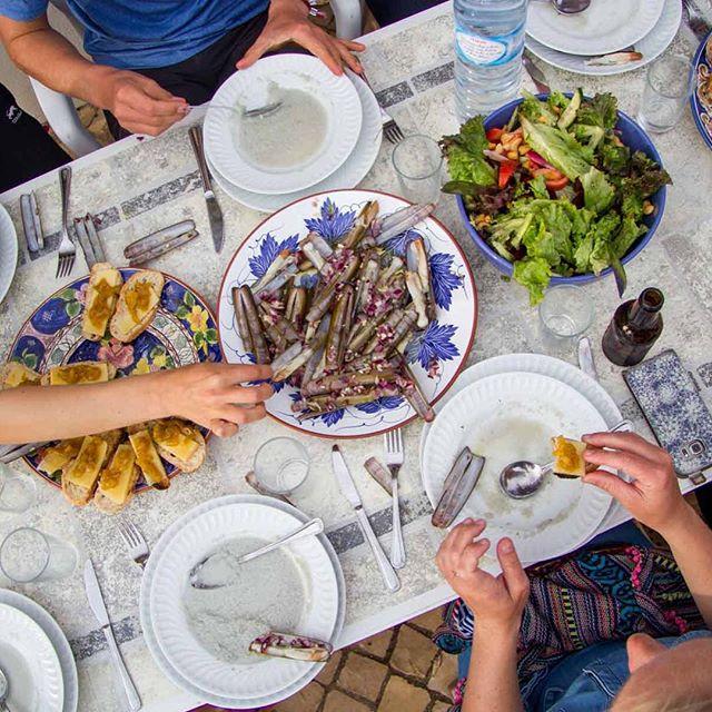 How about some of these tonight? . . . . . .  #fresh #shellfish #food #dinner #friends #surfana #photographer @annemiekzeilstra