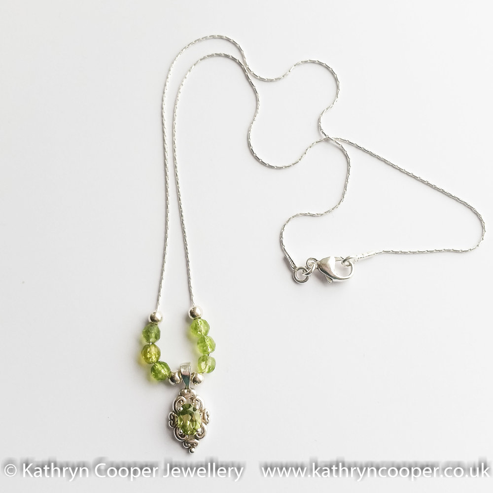 Peridot and silver necklace2.jpg