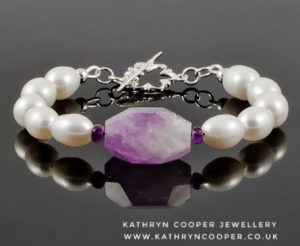 Amethyst-and-white-pearl-silver-bracelet-2-01-002-300x246.jpeg