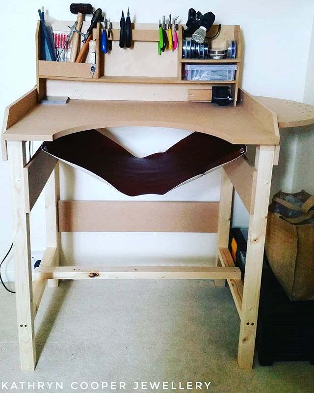 What better way to start off the @jewellersacademy  #30daysofjewellery challenge by a picture of my lovely new work bench.  It looks so nice and clean...give me a day! . . . . . #jewellerybench #workbench #cleanworkbench #jewelryworkbench #bespokejewellery  #jewelleryshopping  #jewelleryaddict #hmuk #madeinbritain  #ukblogger  #kathryncooperjewellery #blogger  #bohoinspiration  #myjewelleryfamily  #jewelleryworkbench  #jewelleryinfluencer  #wswib  #birthdaygifts