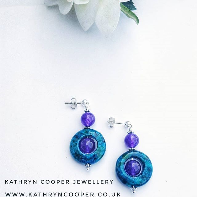 Sorry for the lack of posts, it's not been the best couple of weeks for me and I've been creatively zapped, but time to get back into the flow.  And sorry @jewellersacademy for not being able to post much in the #30daysofjewellery challenge but here's my day 27.  Gorgeous part of earrings in Azurite Chrysocolla with purple dyed quartz crystal. Matching necklace and bracelet also available.  Xx 💙💚💙💚💙💚💙 . . . . . . #chrysocolla #dyedquartz #azuritechrysocolla #bespokejewellery #purple  #jewelleryshopping #earrings #jewelleryaddict #hmuk  #madeinbritain  #ukblogger  #kathryncooperjewellery #blogger  #myjewelleryfamily  #oneoffjewellery #outfitinspiration  #jewelleryinfluencer #whattowear #wswib  #giftsforher #birthdaygift  #jewellerylover #beadedjewelryofinstagram #beadedjewelryinfluencer