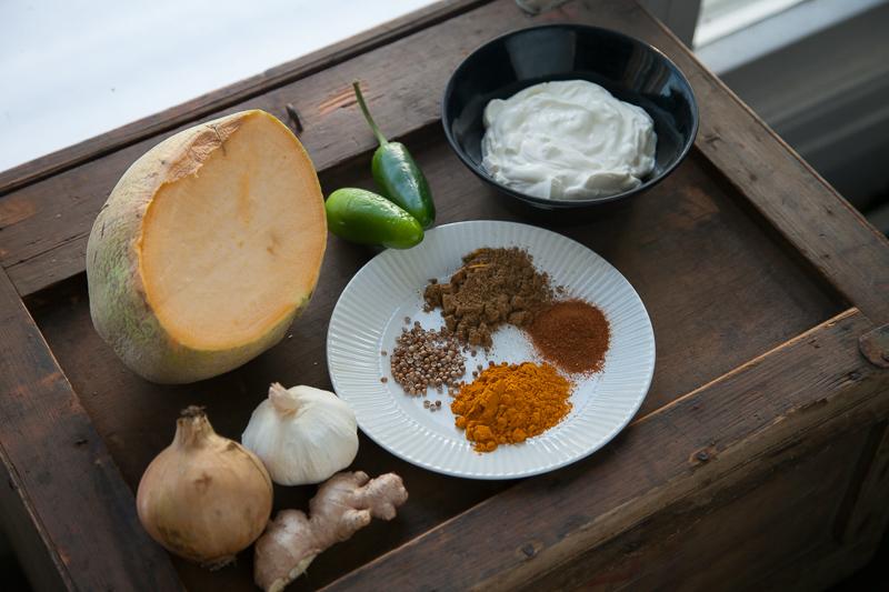 Intialainen ruoka lanttu kasvisruoka