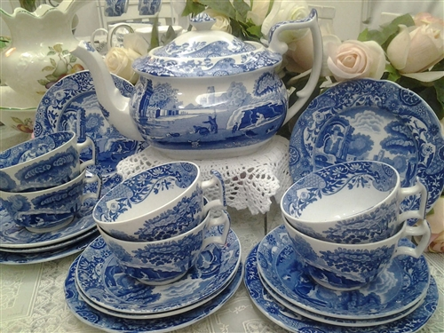 SPODE, WEDGWOOD, VILLEROY & BOCH,   PORTMEIRION   Fine China Goldenberry regularly stocks Spode Blue Italian & Woodland patterns, & the Christmas Tree pattern seasonally.  Other Spode & other brand china is available by special order.
