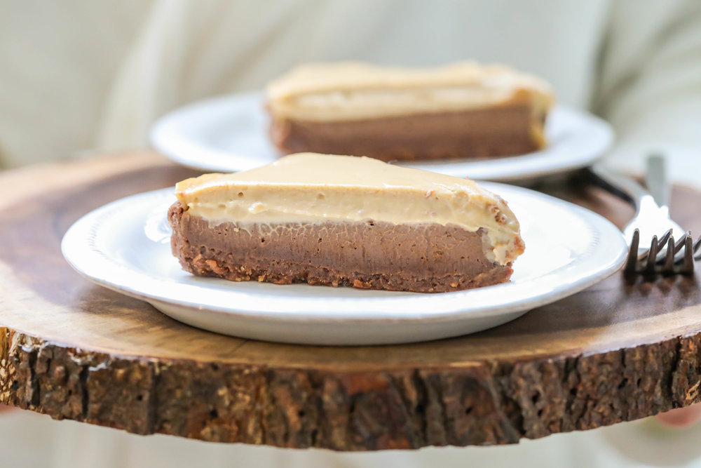 "Vegan No-Bake Chocolate Peanut Butter ""Cheesecake"""