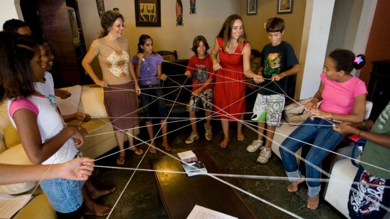 Yarn-Activity-with-Junior-Youth-1.jpg