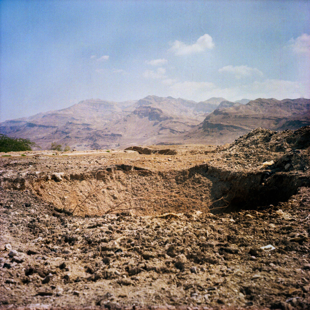Sinkholes - a growing problem for farmers - have appeared as a result of the drying Dead Sea and over-pumping of water.