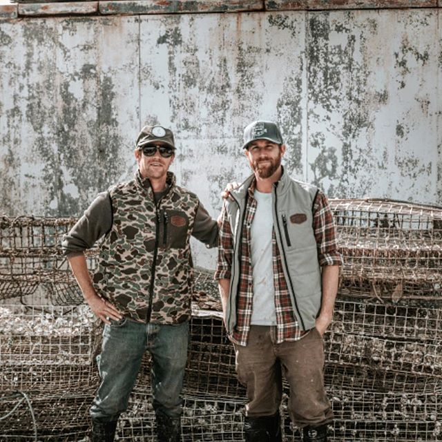 Here @charlestonoysterfarm We dress for #shucksess . Thanks so much @marshwearclothing for coming out and seeing what we do and making sure we look  shucktacular while we do it! #whoworeitbetter #marshtotable #dressforsuccess #oysterpower #supportlocal #oysters #farmersonlydotcom #local #outfitted #imamodel #bluesteel