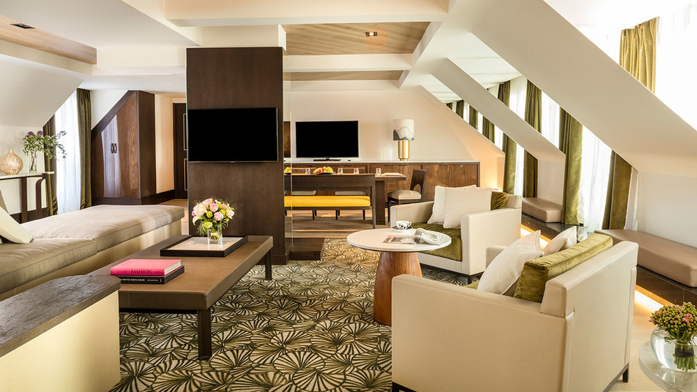Hyatt-Paris-Madeleine-P277-Presidential-Suite-Living-Room-Overview.gallery-2-3-item-panel.jpg