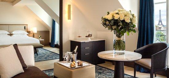 suite-eiffel hyatt.jpg