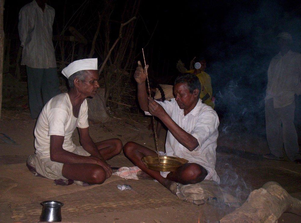 A Kunkna bhagat reciting a katha in the Dangs. Photo courtesy: Aruna Joshi,Vadodara.