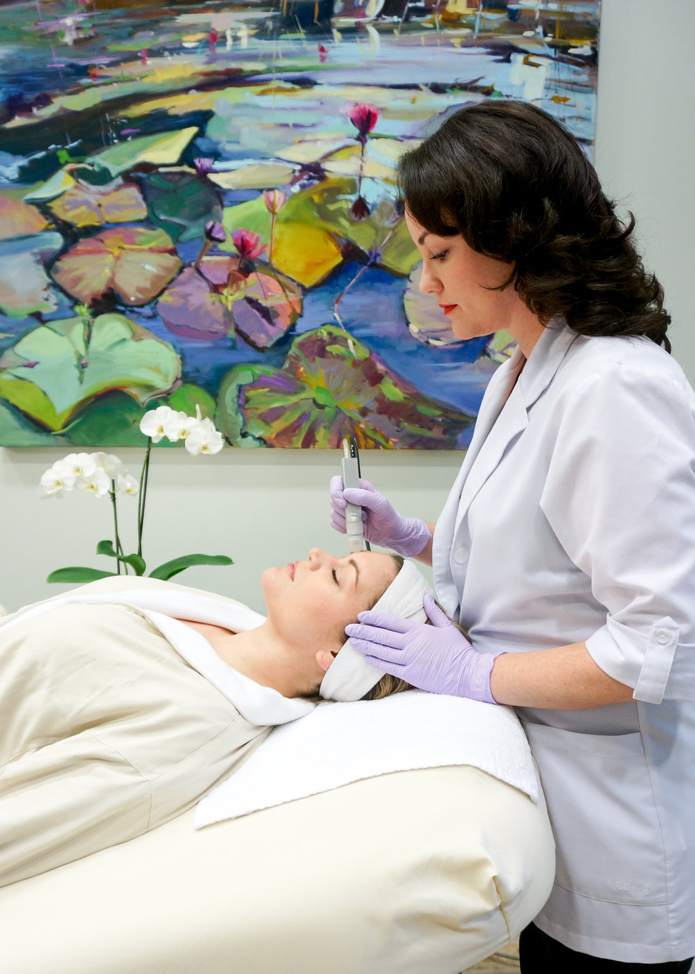 WELCOME to the med spa - The Medical Spa at Kiawah offers medical skin treatments like facials, microdermabrasion and peels, along with massage, injectables, fillers, teeth whitening, waxing, B12 shots, microblading, permanent makeup, lash lifts and light therapy, in a professional and inviting spa setting.