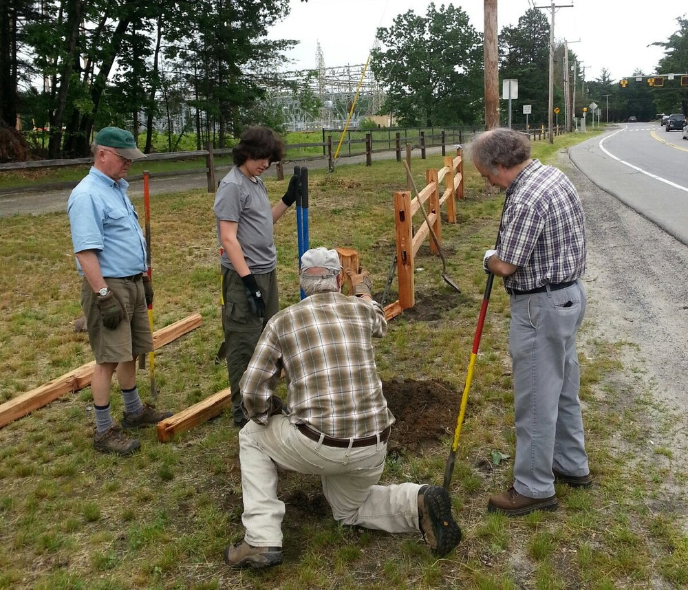 Our Volunteer Work Crew installed a new fence at the trail parking area near the Goffstown Junior Baseball fields. Membership funds and generous donations from Hannaford Supermarkets and the Manchester Marathon Association contributed to the purchase of this split rail fence that now clearly marks the entrance to the parking area (especially after snowstorms!)