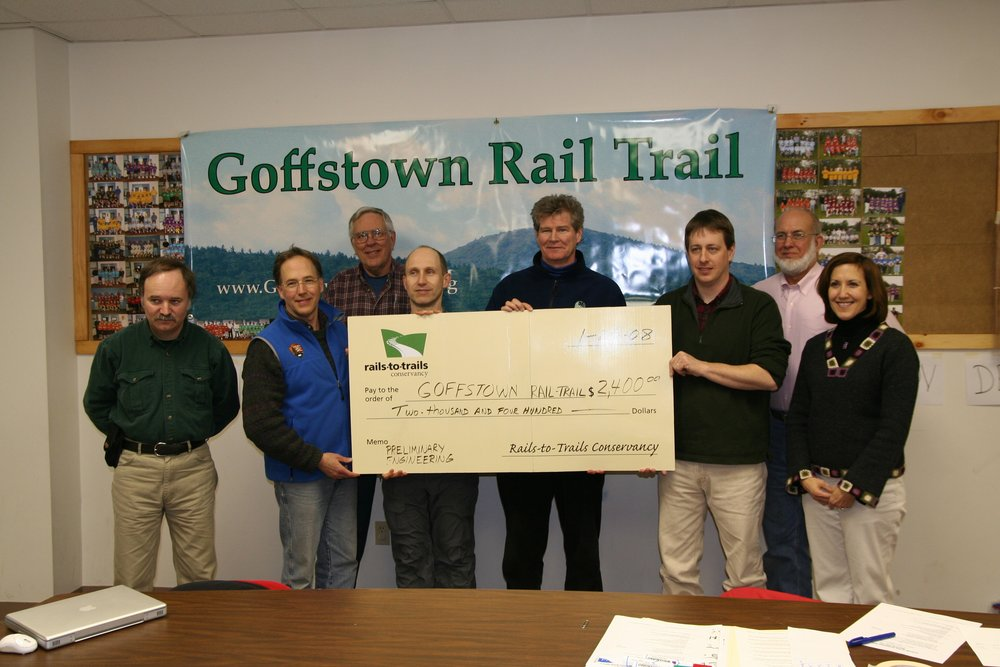 FGRT_Rails_to_Trails_Conservancy_visit_2008_check_presentation.jpg