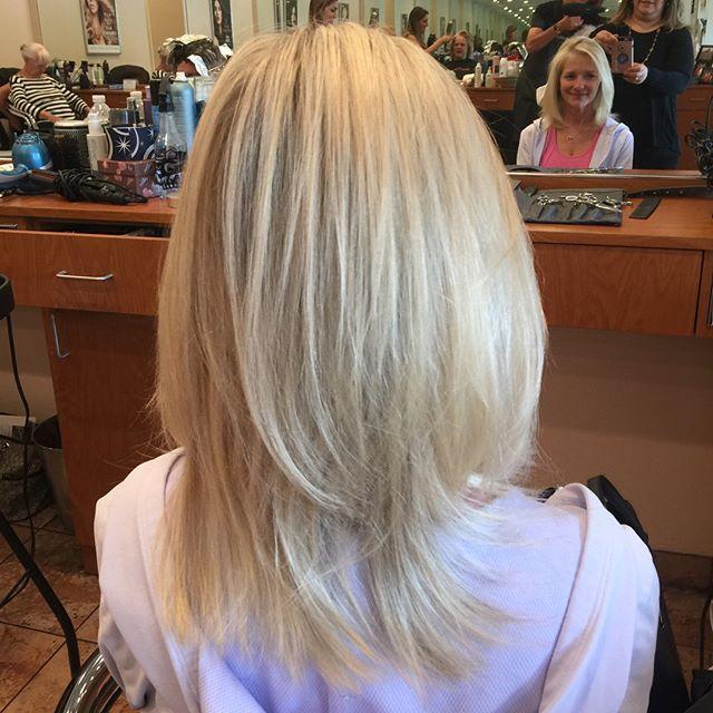 #blondie #matrixcolor #haircolor #LMsalon #hairsalonlife 💁🏼