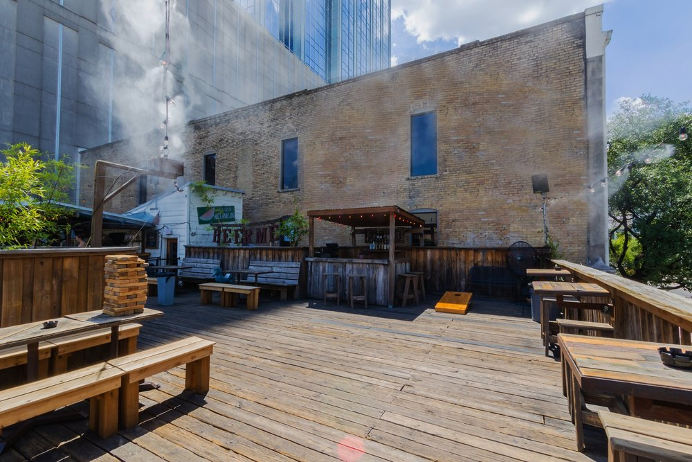 Handlebar Rooftop Bar in the heart of Downtown - 20-300 GUESTS