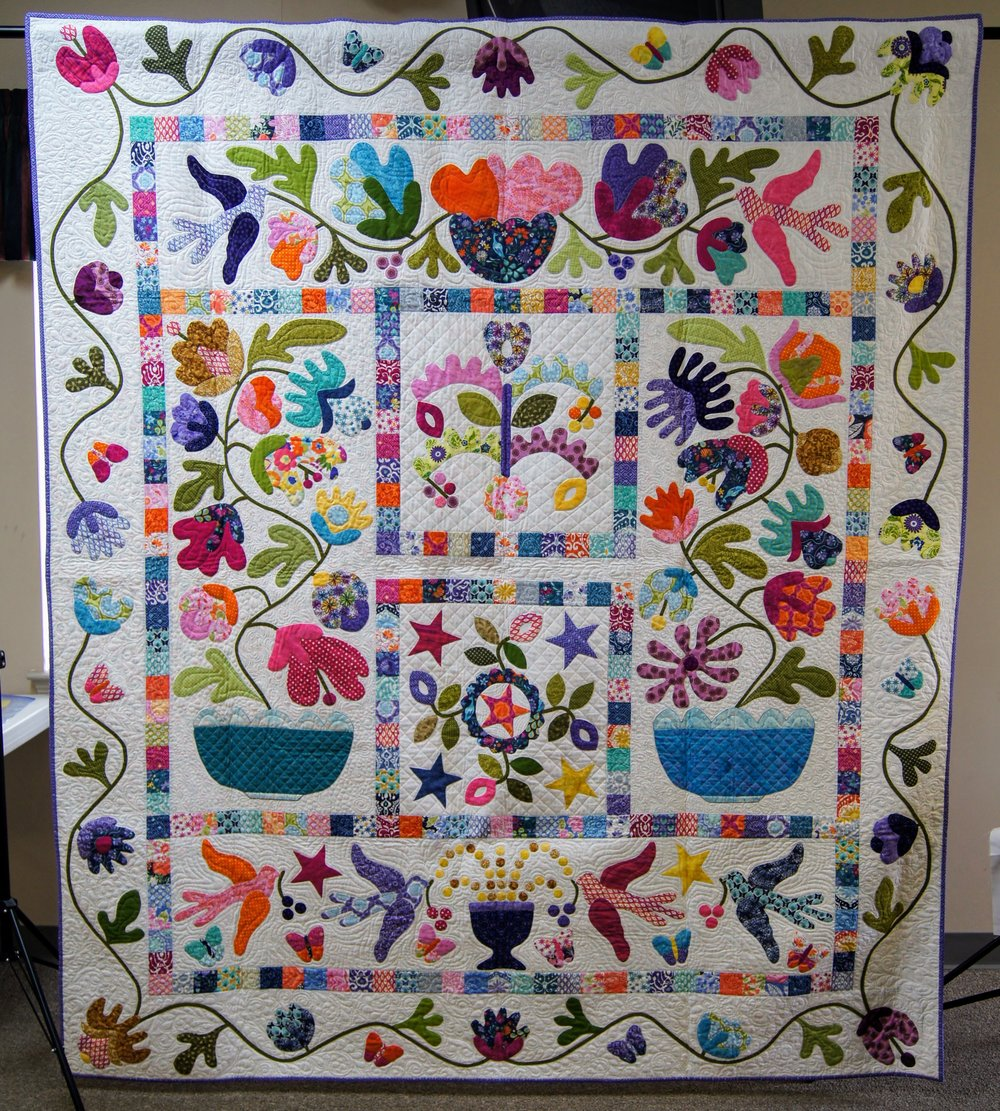 Patricia Steadman's needle-turn appliqué quilt hung in Paducah in 2016.