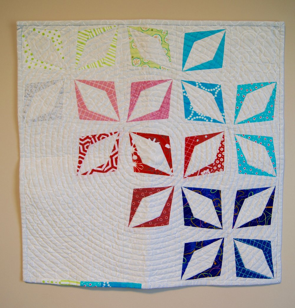Kite block mini quilt by Sandi Suggs