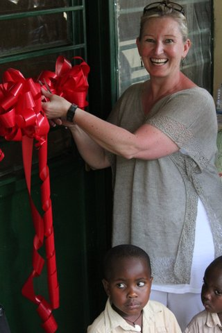 Clare Everest cutting the opening ribbon - CE.jpg