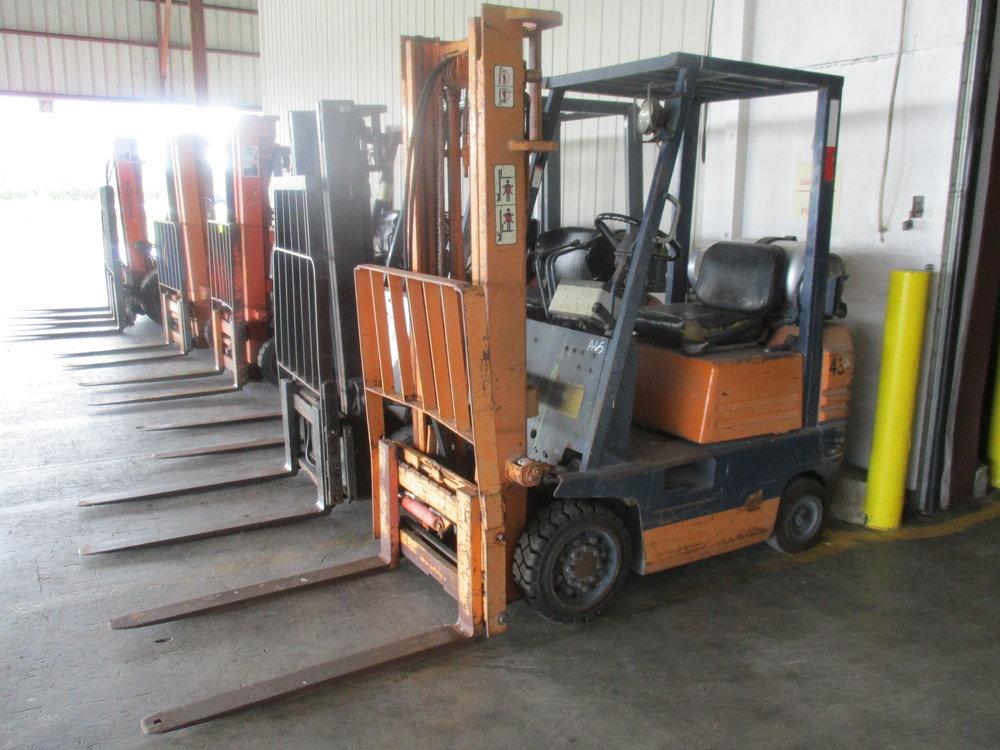 5_Toyota LP Forklift.JPG